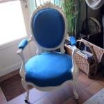 Redonner un coup de jeune à un fauteuil Louis XVI